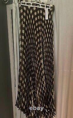 Alice + Olivia check plaid maxi skirt black, white and gold. Size 4. New
