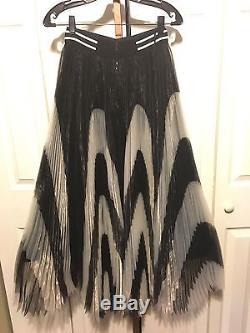 Alice and Olivia Nicole Midlength Black White Knife Pleated Skirt Sz 0 NEW